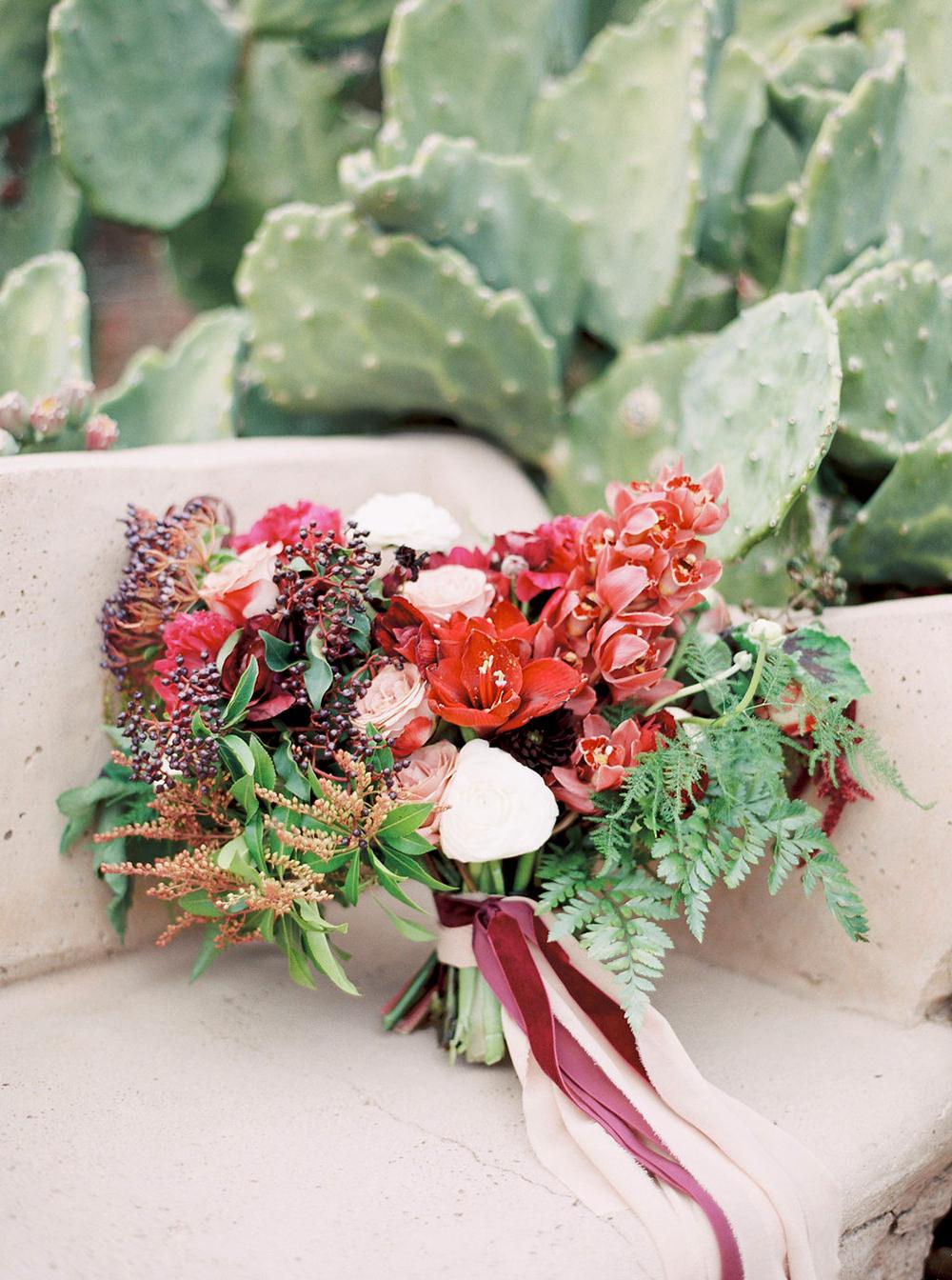 romantic wedding bouquets - photo by Amanda Lenhardt http://ruffledblog.com/relaxed-san-juan-capistrano-wedding-inspiration