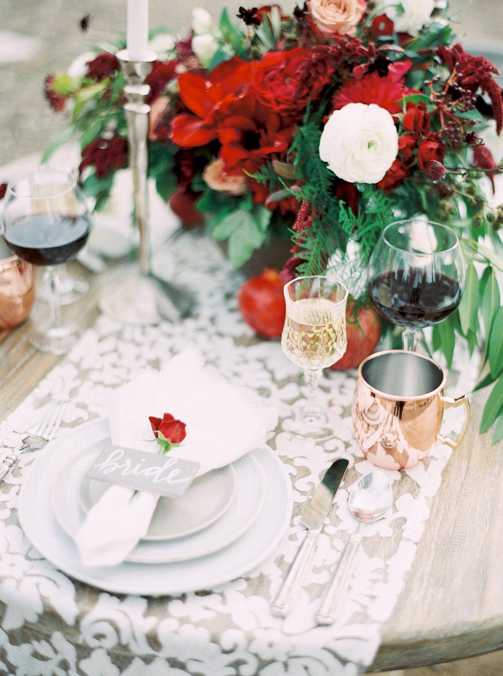 wedding place settings - photo by Amanda Lenhardt https://ruffledblog.com/relaxed-san-juan-capistrano-wedding-inspiration
