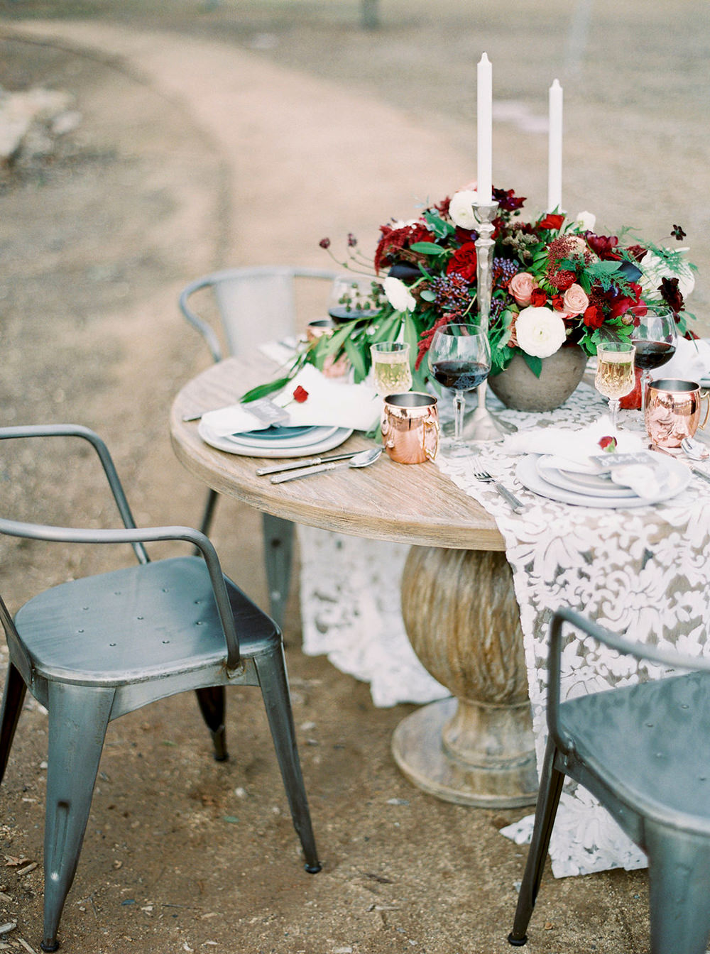 wedding receptions - photo by Amanda Lenhardt https://ruffledblog.com/relaxed-san-juan-capistrano-wedding-inspiration
