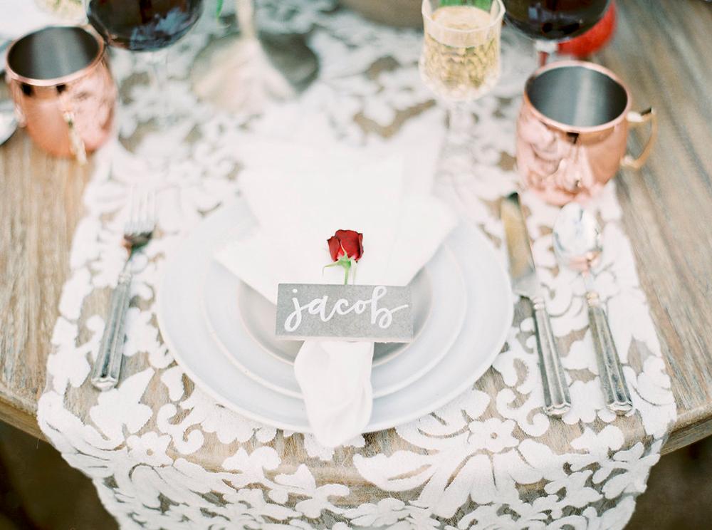 place settings - photo by Amanda Lenhardt https://ruffledblog.com/relaxed-san-juan-capistrano-wedding-inspiration