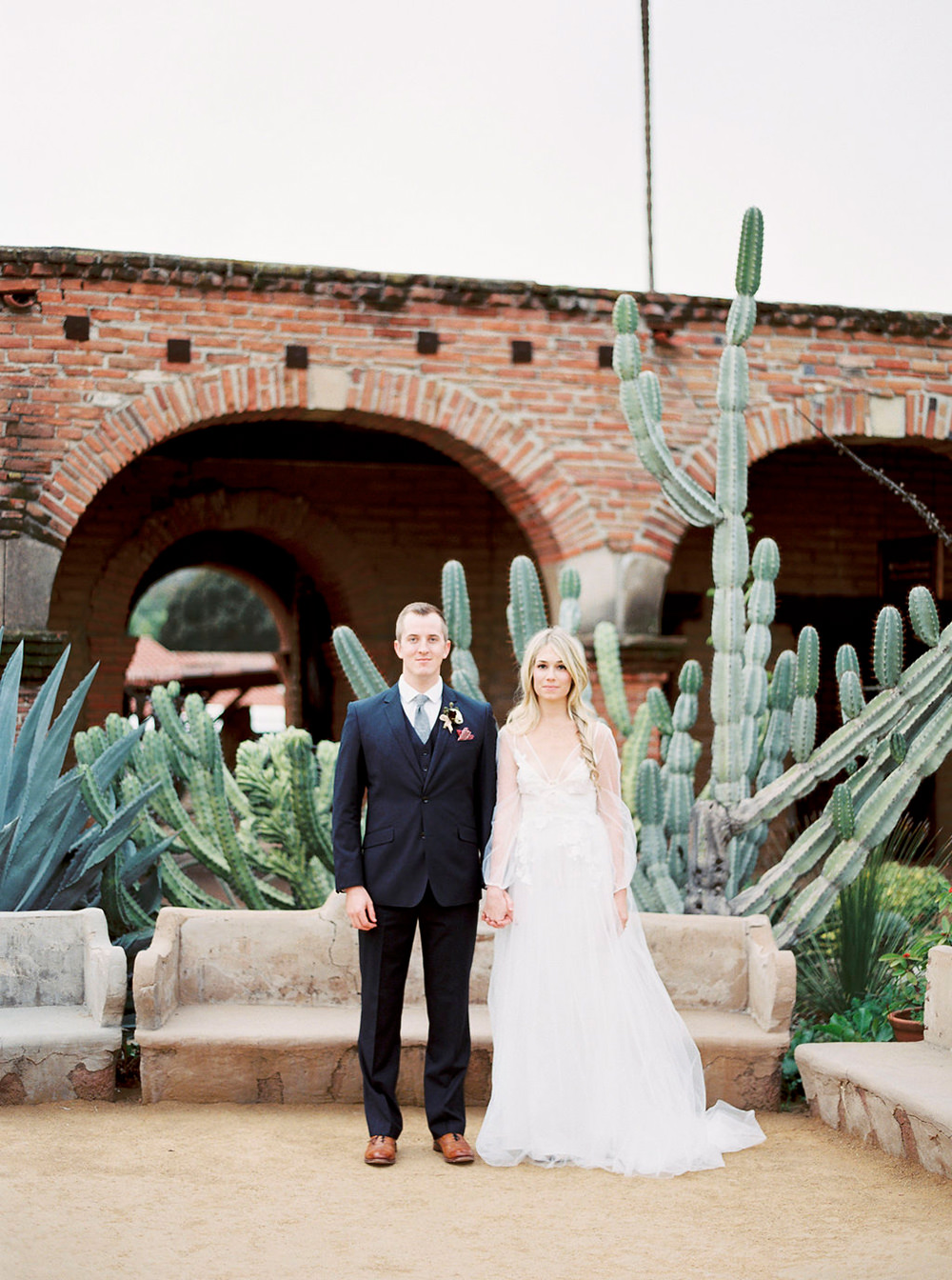 San Juan Capistrano weddings - photo by Amanda Lenhardt http://ruffledblog.com/relaxed-san-juan-capistrano-wedding-inspiration
