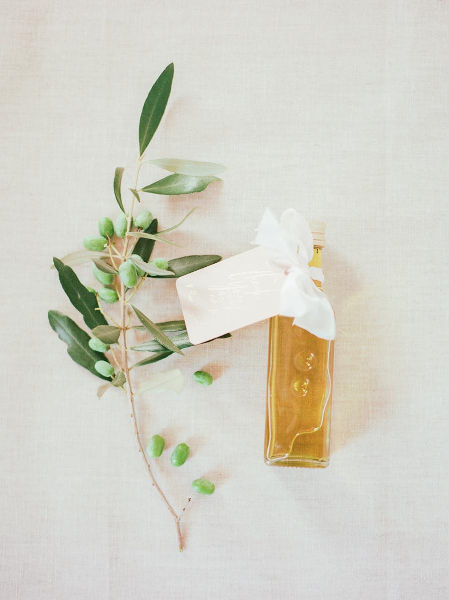 wedding favors - photo by Kylee Yee http://ruffledblog.com/romantic-al-fresco-wedding-in-tuscany