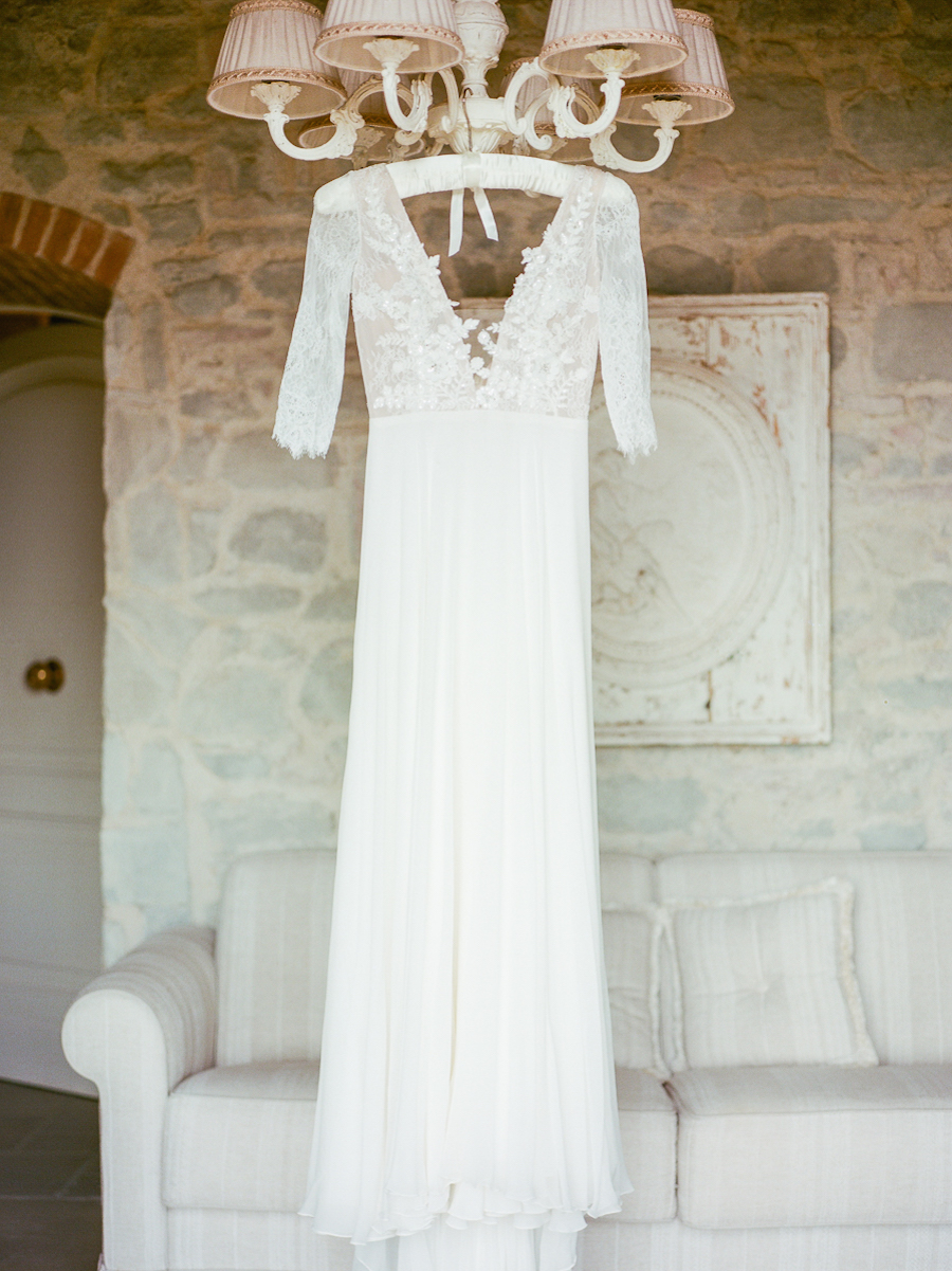 lace wedding dresses - photo by Kylee Yee http://ruffledblog.com/romantic-al-fresco-wedding-in-tuscany