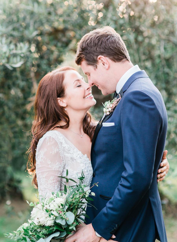 wedding portraits - photo by Kylee Yee https://ruffledblog.com/romantic-al-fresco-wedding-in-tuscany