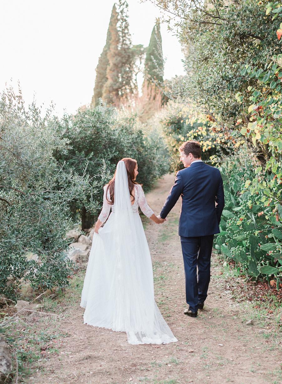 wedding portraits - photo by Kylee Yee http://ruffledblog.com/romantic-al-fresco-wedding-in-tuscany