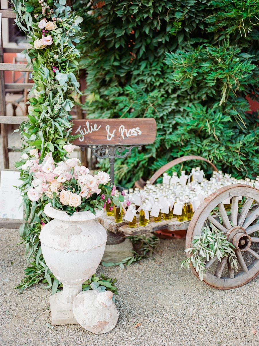 wedding favor displays - photo by Kylee Yee http://ruffledblog.com/romantic-al-fresco-wedding-in-tuscany