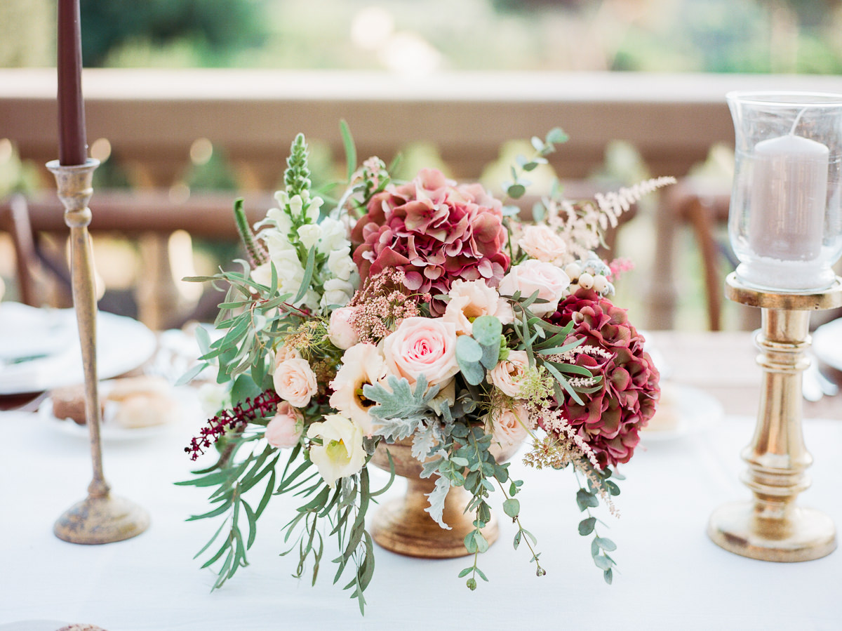wedding centerpieces - photo by Kylee Yee http://ruffledblog.com/romantic-al-fresco-wedding-in-tuscany