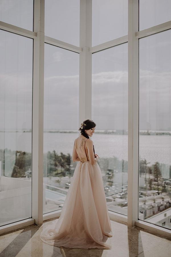 Romantic Cancun Portrait Session You Have To See #tropicaldestinationweddings #weddingdresseswithcolor #portraitsessionposes