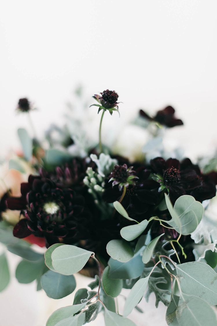burgundy wedding flowers - photo by Lisa Poggi https://ruffledblog.com/romantic-black-tie-wedding-in-tuscany