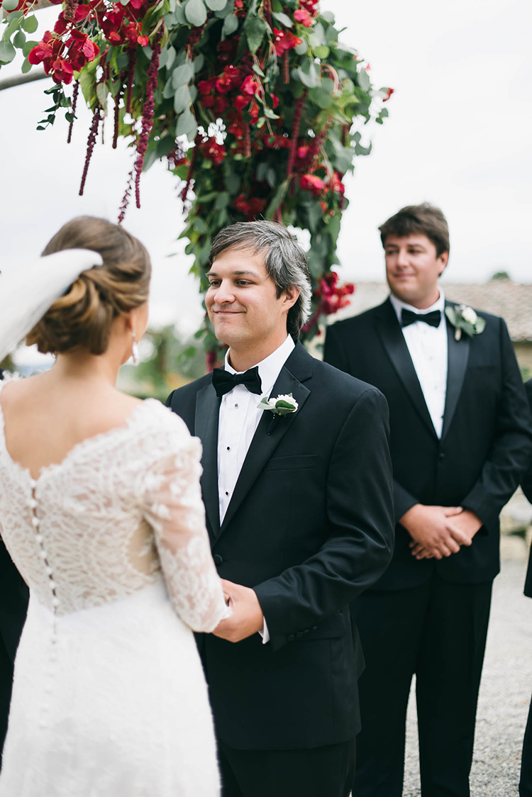 wedding ceremonies - photo by Lisa Poggi https://ruffledblog.com/romantic-black-tie-wedding-in-tuscany