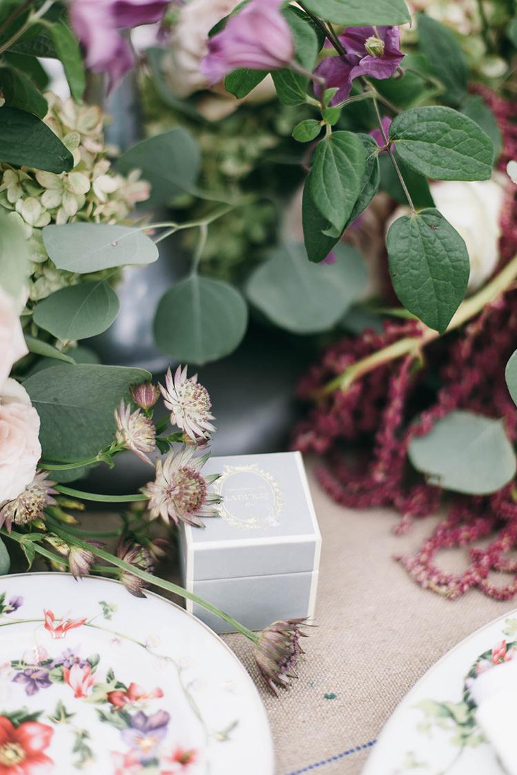 wedding design - photo by Lisa Poggi https://ruffledblog.com/romantic-black-tie-wedding-in-tuscany