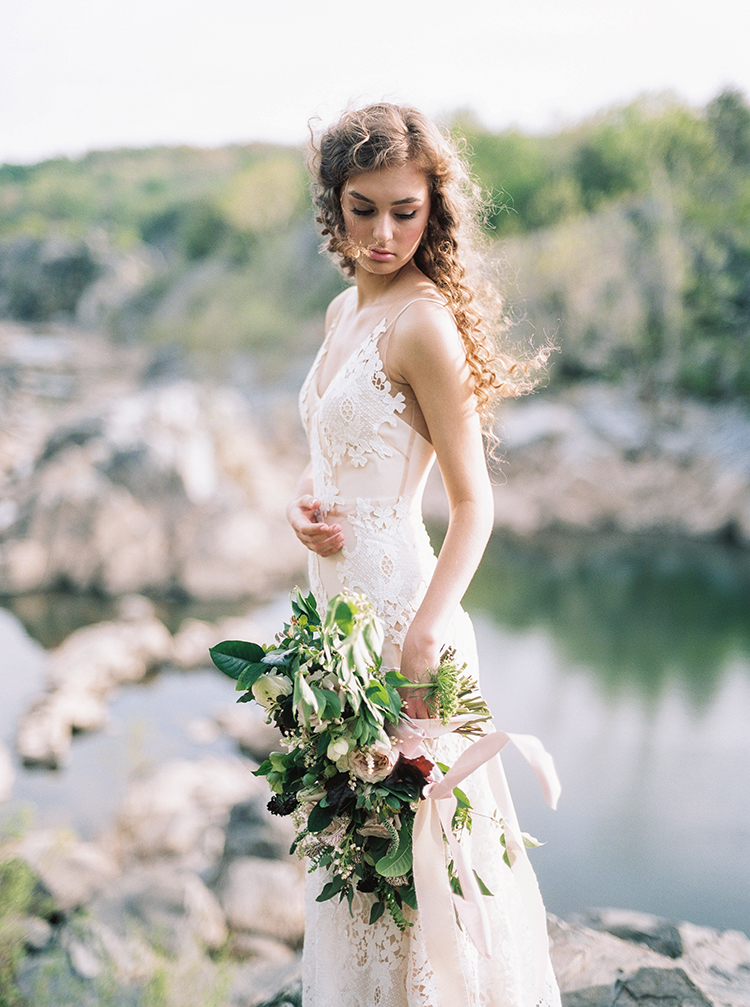 romantic wedding bridals - photo by Photographs by Czar Goss https://ruffledblog.com/romantic-bridal-inspiration-in-great-falls-virginia