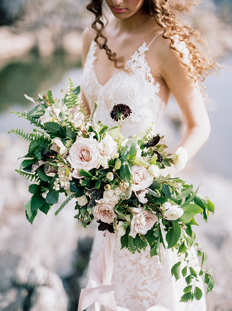 romantic blush wedding bouquets - photo by Photographs by Czar Goss https://ruffledblog.com/romantic-bridal-inspiration-in-great-falls-virginia