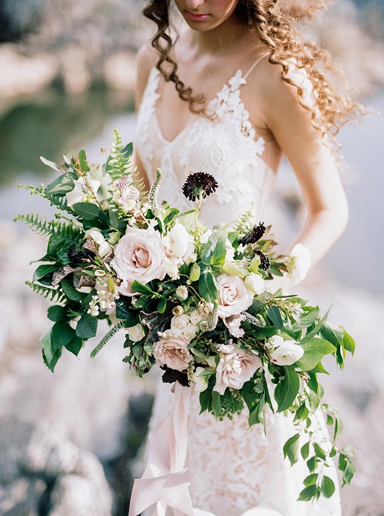 romantic blush wedding bouquets - photo by Photographs by Czar Goss http://ruffledblog.com/romantic-bridal-inspiration-in-great-falls-virginia