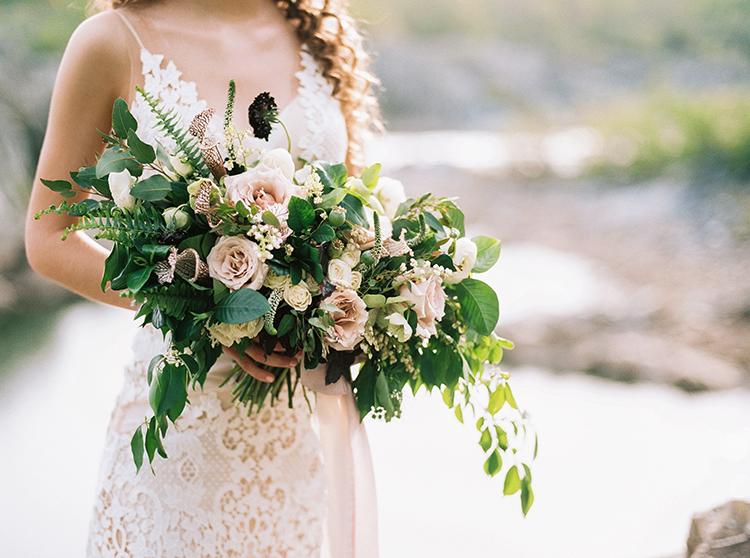 romantic wedding bouquets - photo by Photographs by Czar Goss http://ruffledblog.com/romantic-bridal-inspiration-in-great-falls-virginia