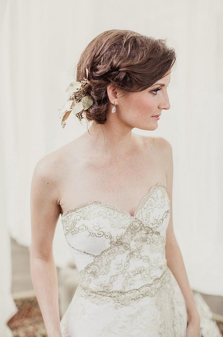 vintage inspired wedding dresses - photo by Shaun Menary Photography http://ruffledblog.com/romantic-garden-wedding-at-arlington-hall
