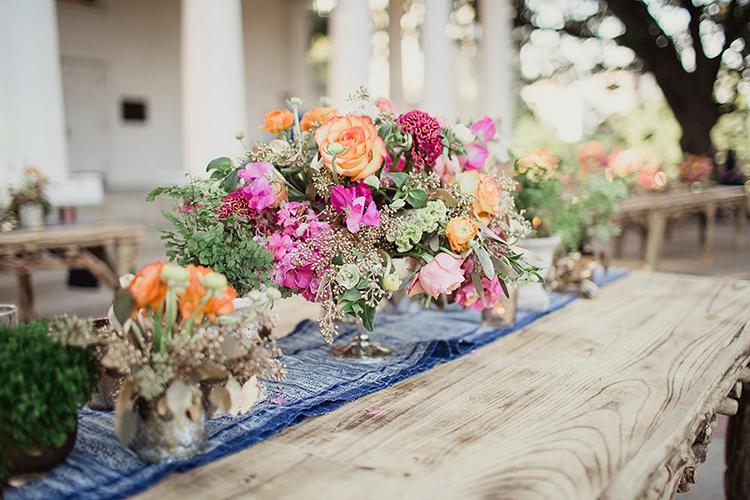pink table centerpieces - photo by Shaun Menary Photography https://ruffledblog.com/romantic-garden-wedding-at-arlington-hall