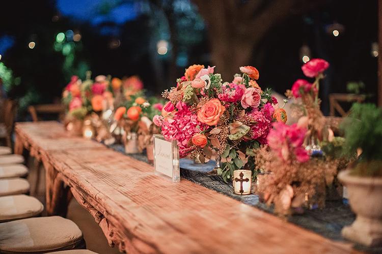 wedding centerpieces - photo by Shaun Menary Photography https://ruffledblog.com/romantic-garden-wedding-at-arlington-hall