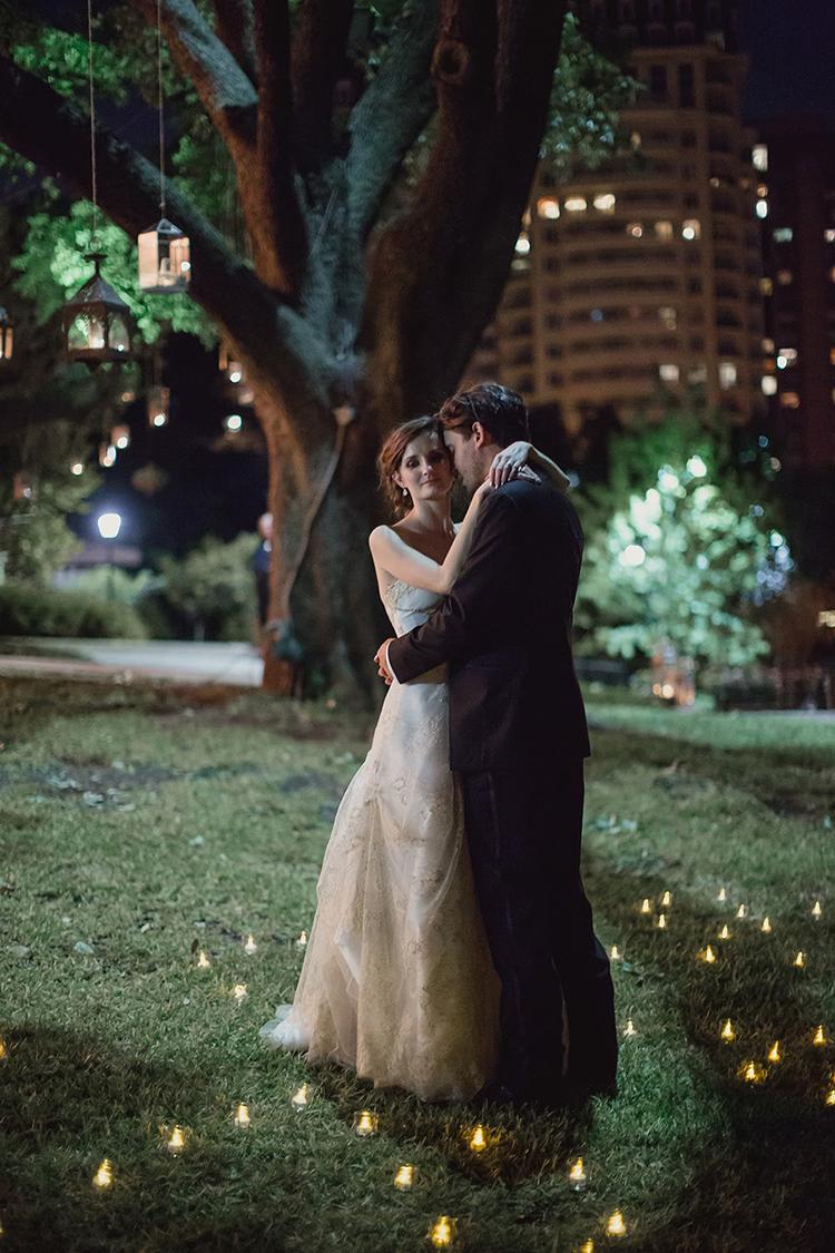 wedding photography - photo by Shaun Menary Photography http://ruffledblog.com/romantic-garden-wedding-at-arlington-hall