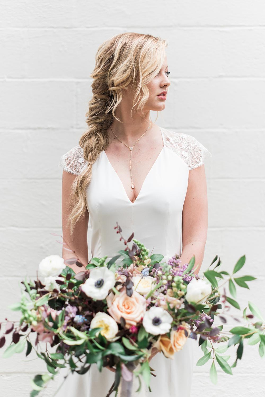 Romantic Modern Minimalist Wedding Inspiration - photo by Holly Von Lanken Photography http://ruffledblog.com/romantic-modern-minimalist-wedding-inspiration