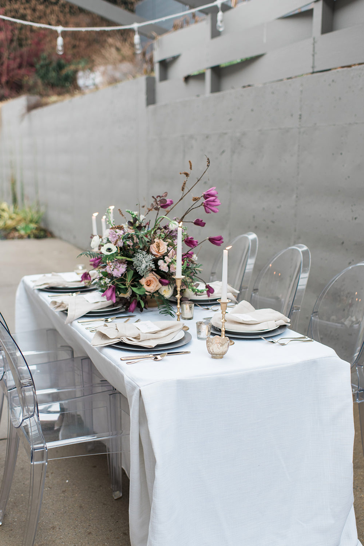wedding tables - photo by Holly Von Lanken Photography https://ruffledblog.com/romantic-modern-minimalist-wedding-inspiration