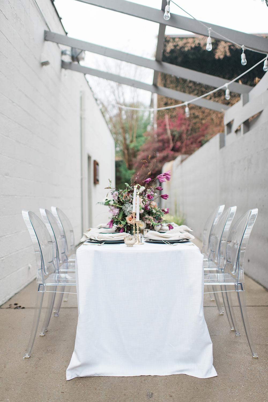 wedding receptions - photo by Holly Von Lanken Photography https://ruffledblog.com/romantic-modern-minimalist-wedding-inspiration