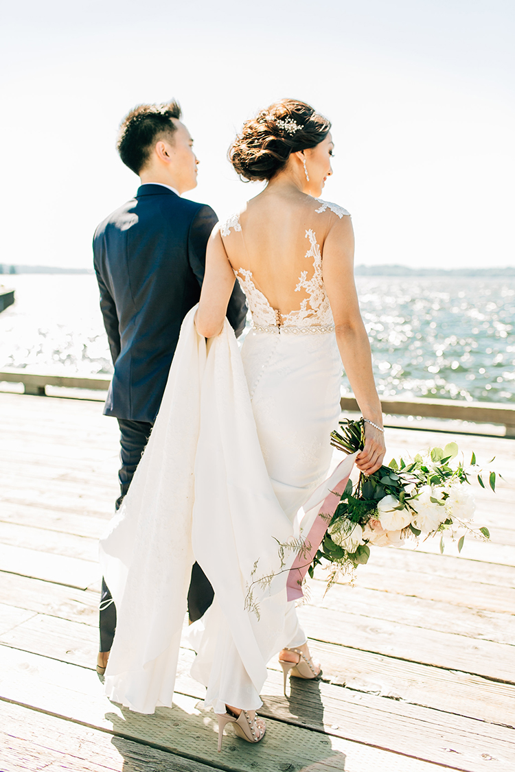 romantic wedding dresses - http://ruffledblog.com/romantic-pacific-northwest-wedding-with-mauve-and-champagne
