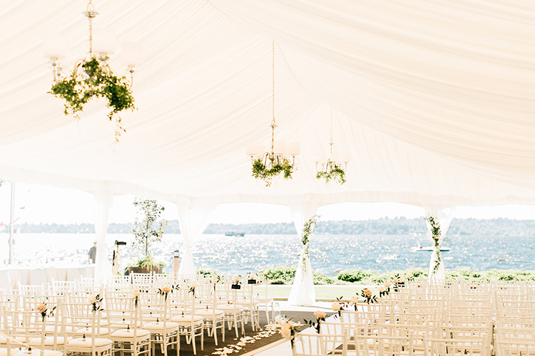 romantic wedding ceremonies - http://ruffledblog.com/romantic-pacific-northwest-wedding-with-mauve-and-champagne