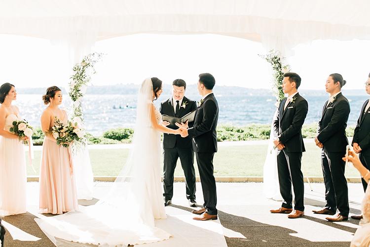 wedding ceremonies - https://ruffledblog.com/romantic-pacific-northwest-wedding-with-mauve-and-champagne