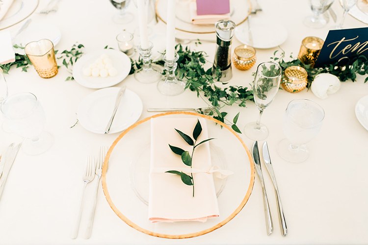 romantic organic wedding receptions - http://ruffledblog.com/romantic-pacific-northwest-wedding-with-mauve-and-champagne