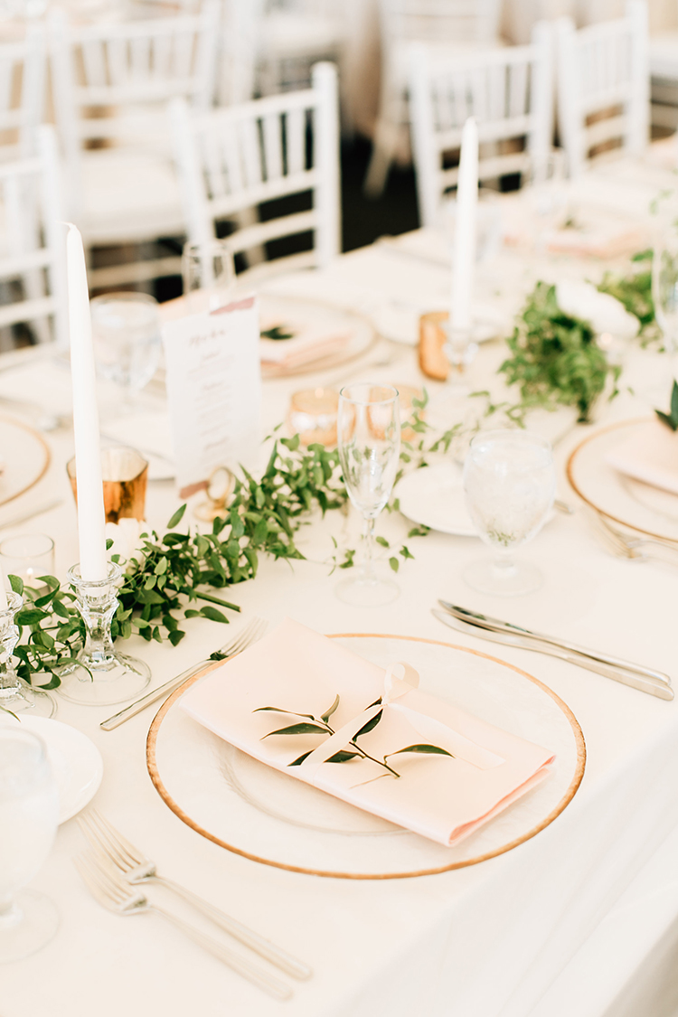 ivory tablescape inspiration - http://ruffledblog.com/romantic-pacific-northwest-wedding-with-mauve-and-champagne