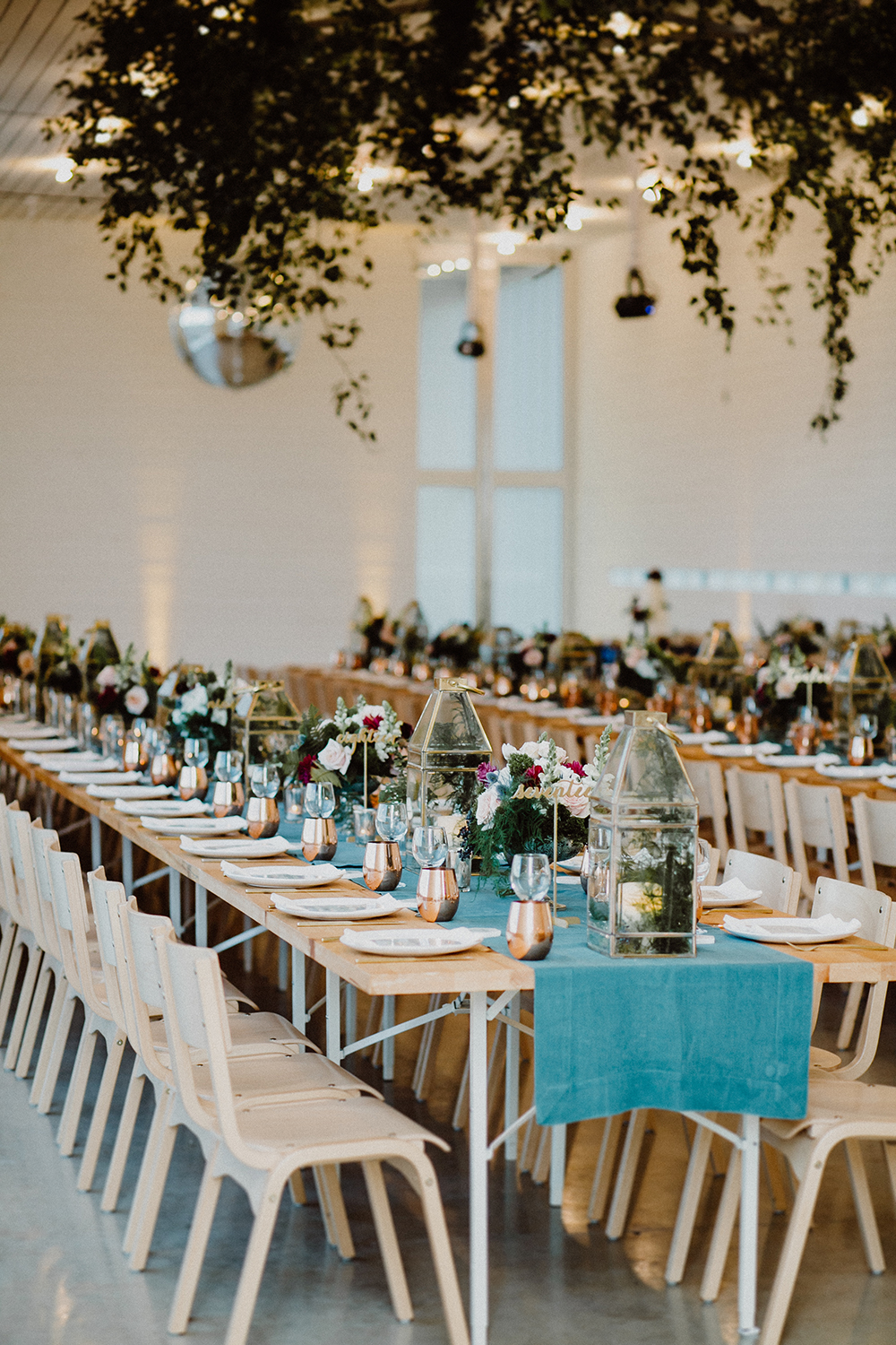 modern wedding receptions with teal - photo by Lisa Woods Photography https://ruffledblog.com/romantic-party-wedding-at-prospect-house