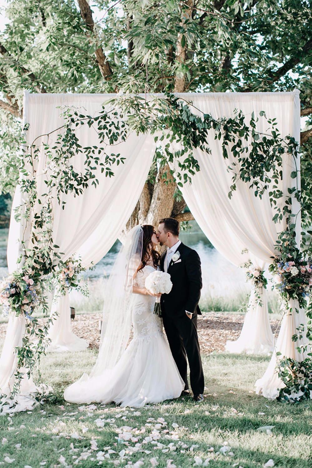 Romantic pastel garden wedding ruffled romantic pastel garden wedding photo by codrean photography httpsruffledblog junglespirit Image collections