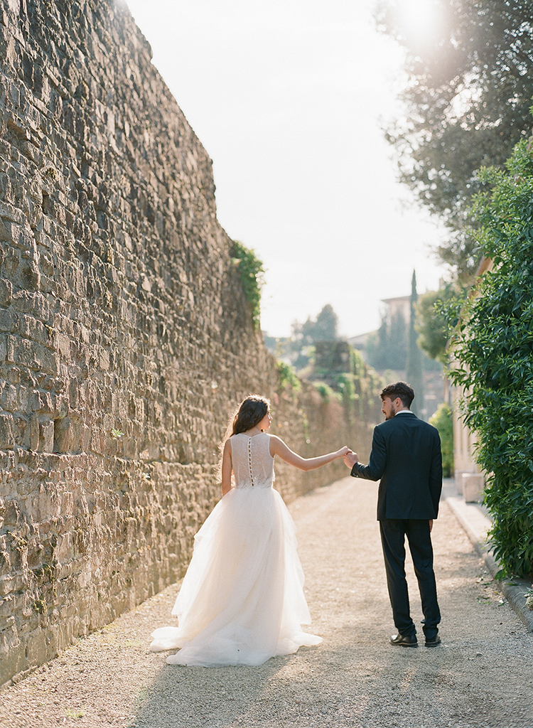 wedding photography - photo by Jenny Soi Photography https://ruffledblog.com/romantic-rooftop-elopement-inspiration-in-florence