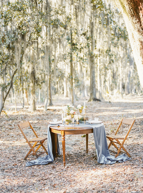 woodland wedding - photo by Lindsay Herbst Photography https://ruffledblog.com/romantic-southern-elopement-inspiration