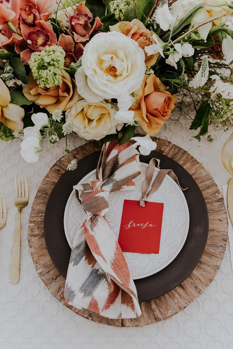 safari wedding tables - photo by Shelly Anderson Photography https://ruffledblog.com/san-diego-safari-park-glamping-wedding-editorial