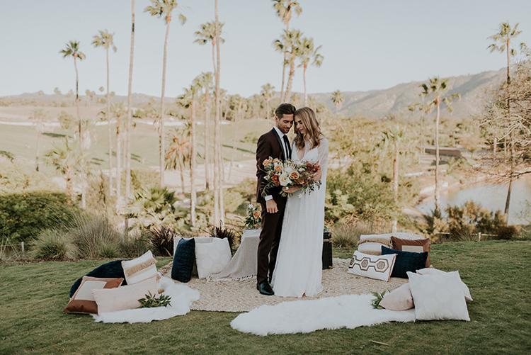 wedding lounge receptions - photo by Shelly Anderson Photography https://ruffledblog.com/san-diego-safari-park-glamping-wedding-editorial