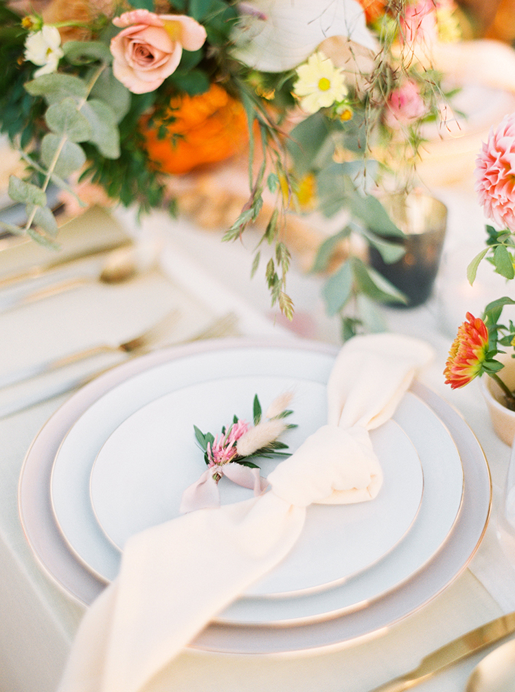 simple organic place settings - https://ruffledblog.com/september-sunsets-wedding-inspiration-with-a-vw-bus