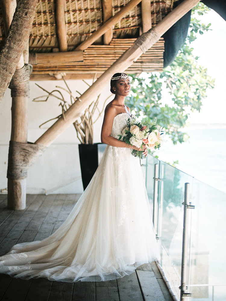 elegant bridal style - photo by Asia Pimentel Photography http://ruffledblog.com/seriously-chic-destination-wedding-in-punta-cana