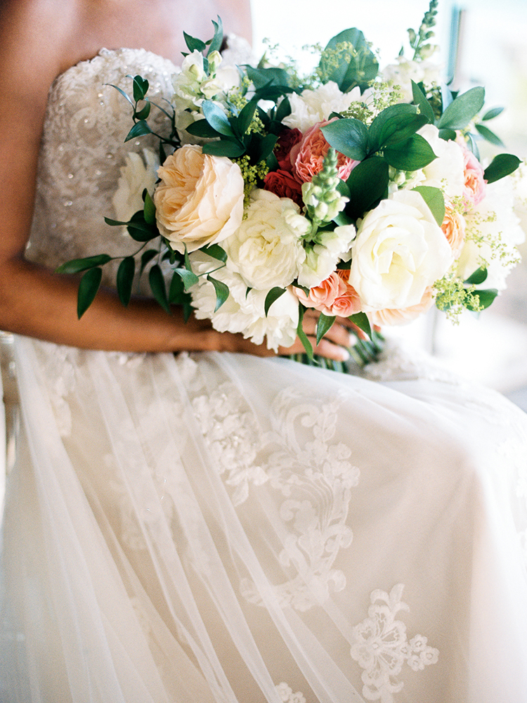 garden rose bouquets - photo by Asia Pimentel Photography http://ruffledblog.com/seriously-chic-destination-wedding-in-punta-cana
