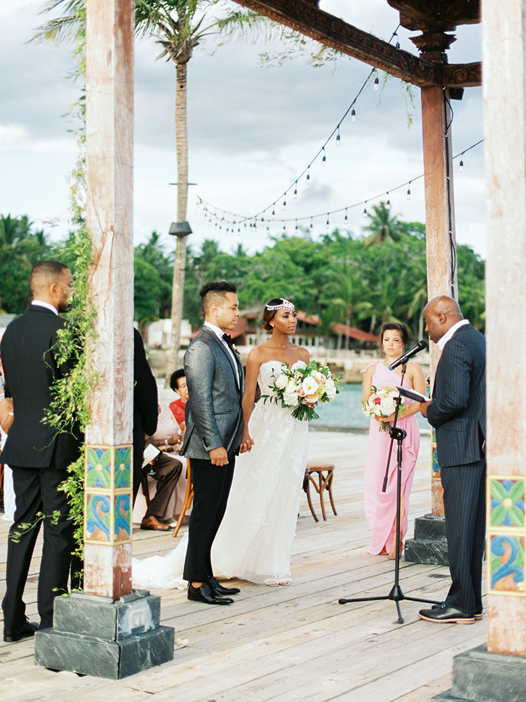 beach wedding ceremonies - photo by Asia Pimentel Photography http://ruffledblog.com/seriously-chic-destination-wedding-in-punta-cana
