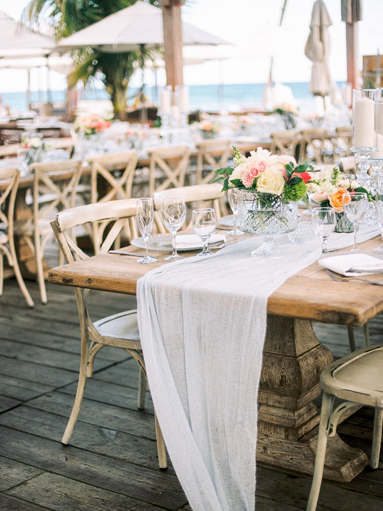 romantic wedding reception tables - photo by Asia Pimentel Photography https://ruffledblog.com/seriously-chic-destination-wedding-in-punta-cana