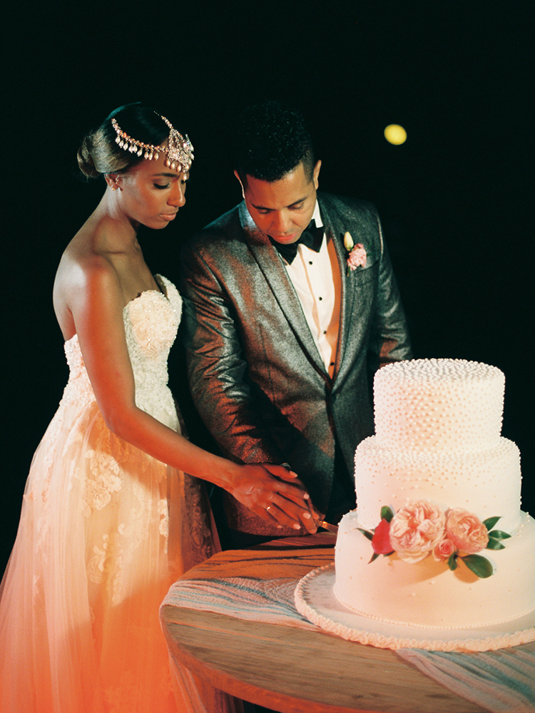 cake cuttings - photo by Asia Pimentel Photography https://ruffledblog.com/seriously-chic-destination-wedding-in-punta-cana