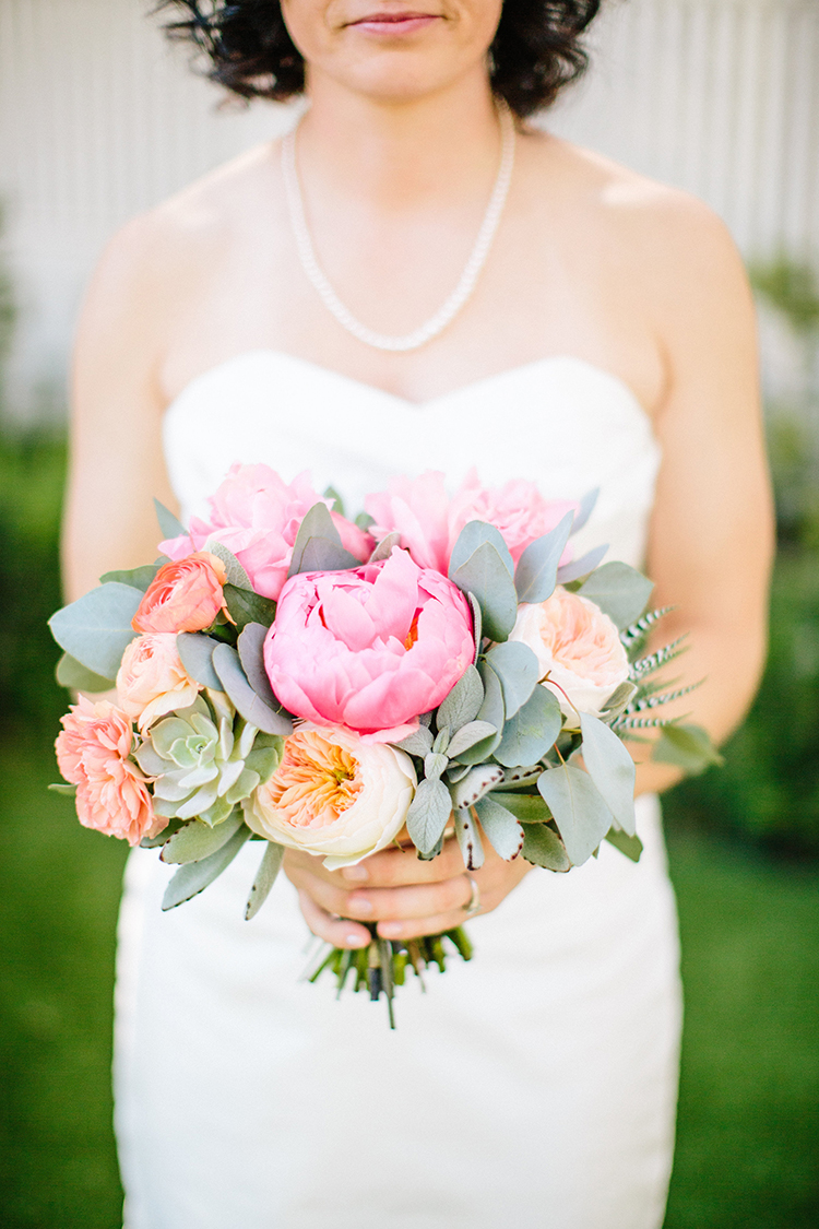 pink peony bouquets - photo by Birds of a Feather https://ruffledblog.com/soft-and-romantic-wedding-at-lombardi-house