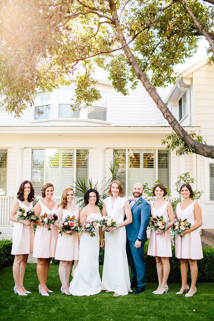 wedding parties - photo by Birds of a Feather https://ruffledblog.com/soft-and-romantic-wedding-at-lombardi-house