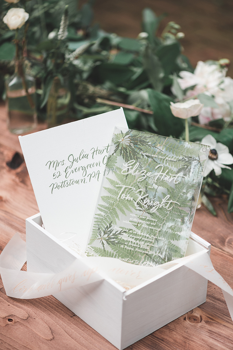 Soft + Romantic Wedding Inspiration in All Green - http://ruffledblog.com/soft-romantic-wedding-inspiration-in-all-green
