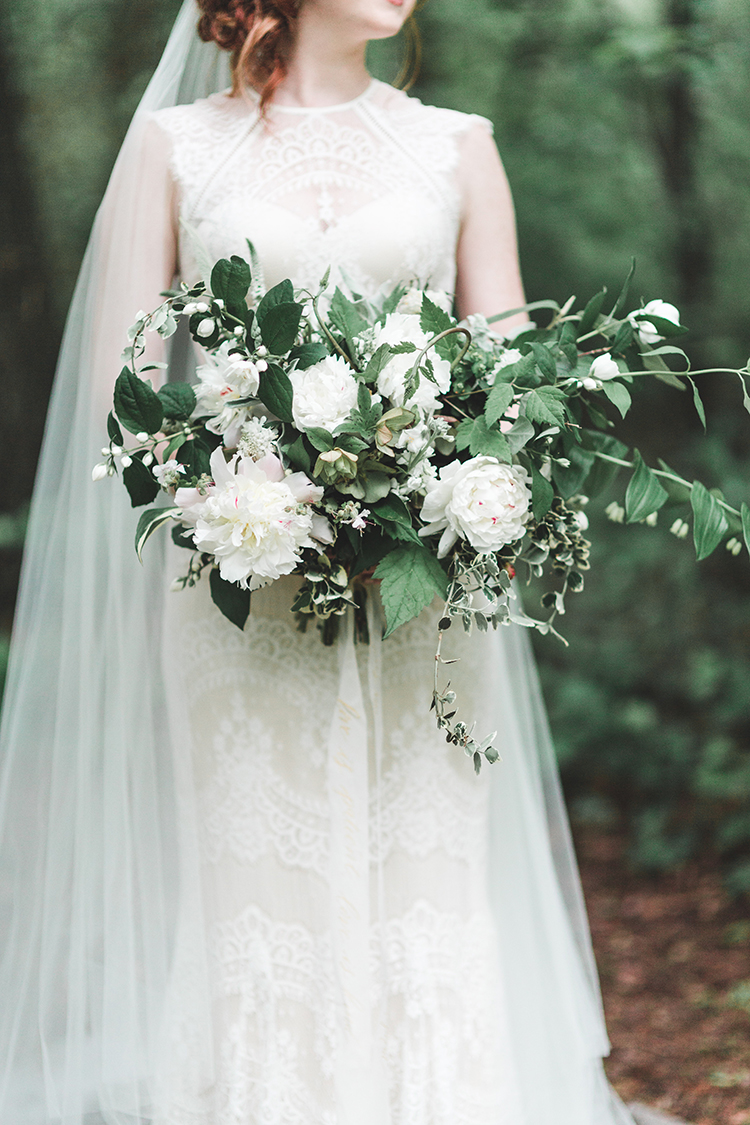 leafy bridal bouquets with white flowers - https://ruffledblog.com/soft-romantic-wedding-inspiration-in-all-green