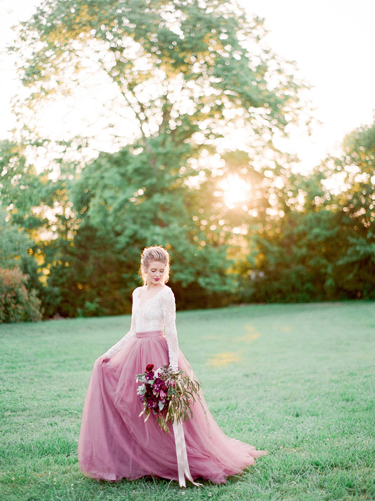 Summer Wedding Inspiration with Mauve and Berry - photo by Julie Paisley https://ruffledblog.com/southern-summer-wedding-inspiration-with-berry-hues