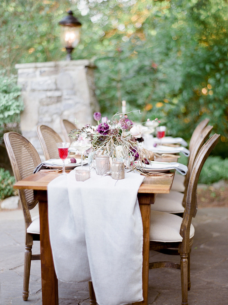 wedding tables - photo by Julie Paisley https://ruffledblog.com/southern-summer-wedding-inspiration-with-berry-hues