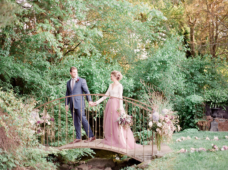 wedding inspiration - photo by Julie Paisley http://ruffledblog.com/southern-summer-wedding-inspiration-with-berry-hues